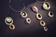 Muschelketten / Shell-necklaces