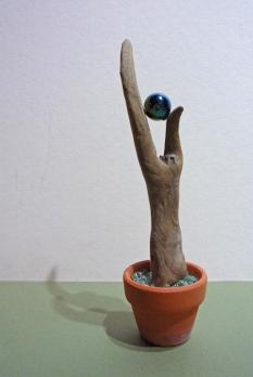 Kleine Seele (Treibholz aus dem Harz, Autoglas, Murmel)